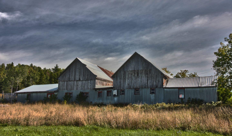 granges doubles situées à Duhamel-Ouest